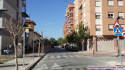 Bajo comercial de 340 m2, frente Insituto Amusal, 300.000 €. Tel. 635510519.
