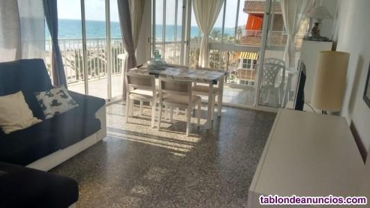 Proponemos vivienda en primera línea de la playa S