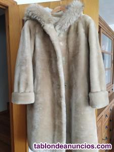 Abrigo de Buton con capucha de zorro