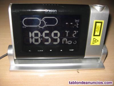 Reloj científico con estación meteorológica