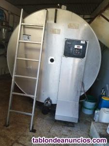 Venta de tanque enfriador, empacadora y pinza hidráulica