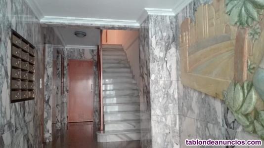 Vendo piso tres habitaciones