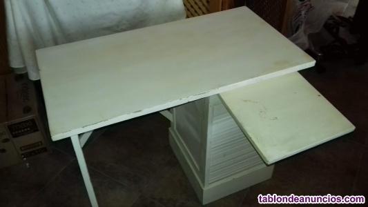 Mesa escritorio antigua.