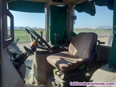 Tractor JOHN DEERE 6120 semi estandar.