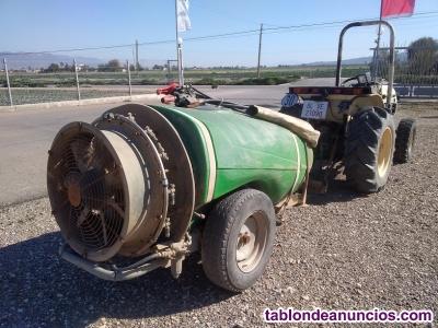 Tractor VIÑEDO LAMBORGHINI RUNNER 350 con ATOMIZADOR.