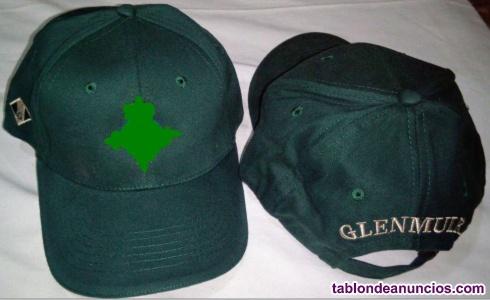 Gorra de Golf Glenmuir de color verde botella con logo de un club