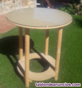 Mesa camilla con cristal.