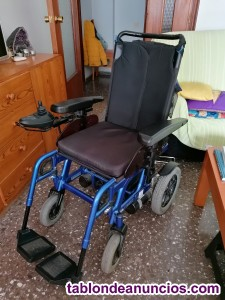 Vendo silla de ruedas electrica precio negociable.