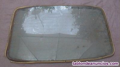 Luna (cristal) trasera del seat 127 dos puertas va encima del maletero año 1975