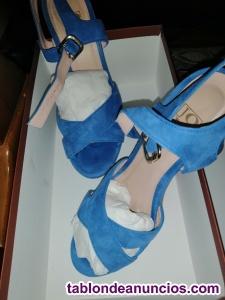 Zapatos semi nuevos dos puestas