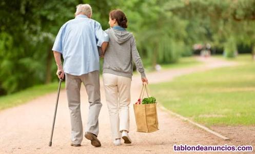 Cuidadora de persona mayor