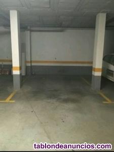 No des mas vueltas por el centro !! amplio garaje para coche y moto