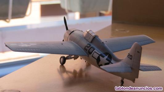 Maqueta de avión escala 1/72 montada de fabrica