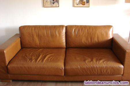 Sofa tres plazas, cuero natural