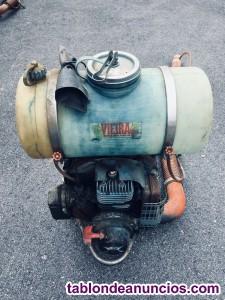 Pulverizador de mochila a motor