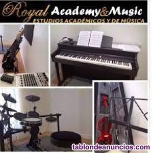 Se necesita profesor/a de piano