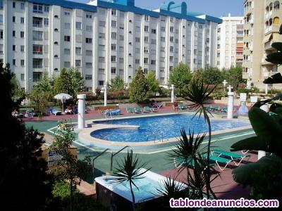Alquilo apartamento de dos habitaciones con piscina y a cinco min. Andando playa
