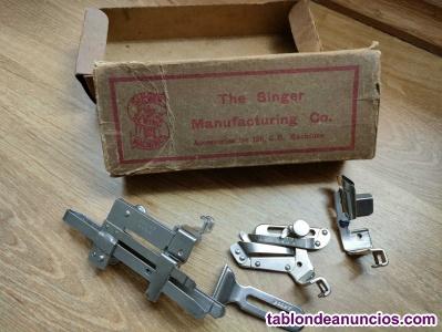 Caja con piezas accesorios singer maquina de coser. - sewing machine -