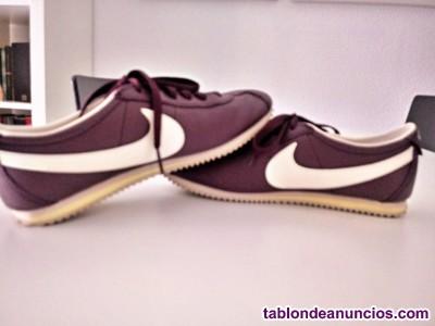 Preciosas zapatillas Nike.