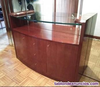 Entrada: espejo más mueble