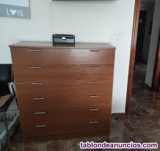 Muebles y sofá