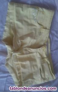 Pantalon tipo short vaquero marca Más Fashion, tamaño XL.
