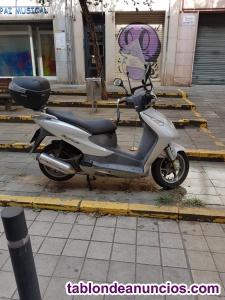 Vendo moto para piezas