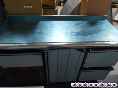 Bajo mostrador refrigerado COMERSA con cajonera con refrigerante R-134a