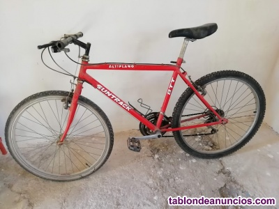 Bicicleta color rojo