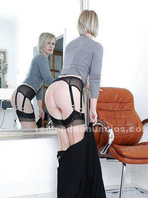 Madurita española de 40 años con muchas ganas de sexo multiorgasmica.