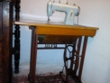 Maquina de coser de pedal