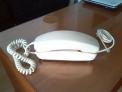 Fotos del anuncio: Teléfono góndola, años 70, marfil, muy buen estado exterior.