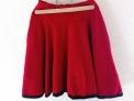 Falda roja circular de vuelo de invierno