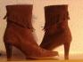 Fotos del anuncio: Botines ante con flecos tall. 39