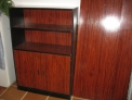 Mesa despacho y armario en nogal