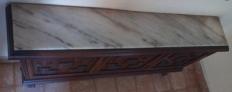 Mueble de madera estilo castellano