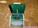 Fotos del anuncio: Maquina de escribir olympia traveller de luxe con su maletin typewriter verde
