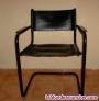 Dos sillones con un bonito diseño