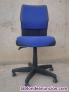 Fotos del anuncio: Silla de oficina azul con ruedas