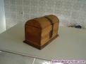 Baúl  de maderas tropicales tipo antiguo para decoración.- fondo 20 cms. Ancho 3
