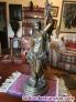 Mujer en bronce