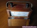 Voltímetro antiguo en su caja de madera con asa de cuero - no funciona voltmeter