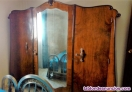Vendo armario antiguo de madera de tres cuerpos